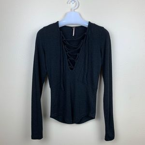 FREE PEOPLE LACE UP FRONT BLACK TOP SIZE S